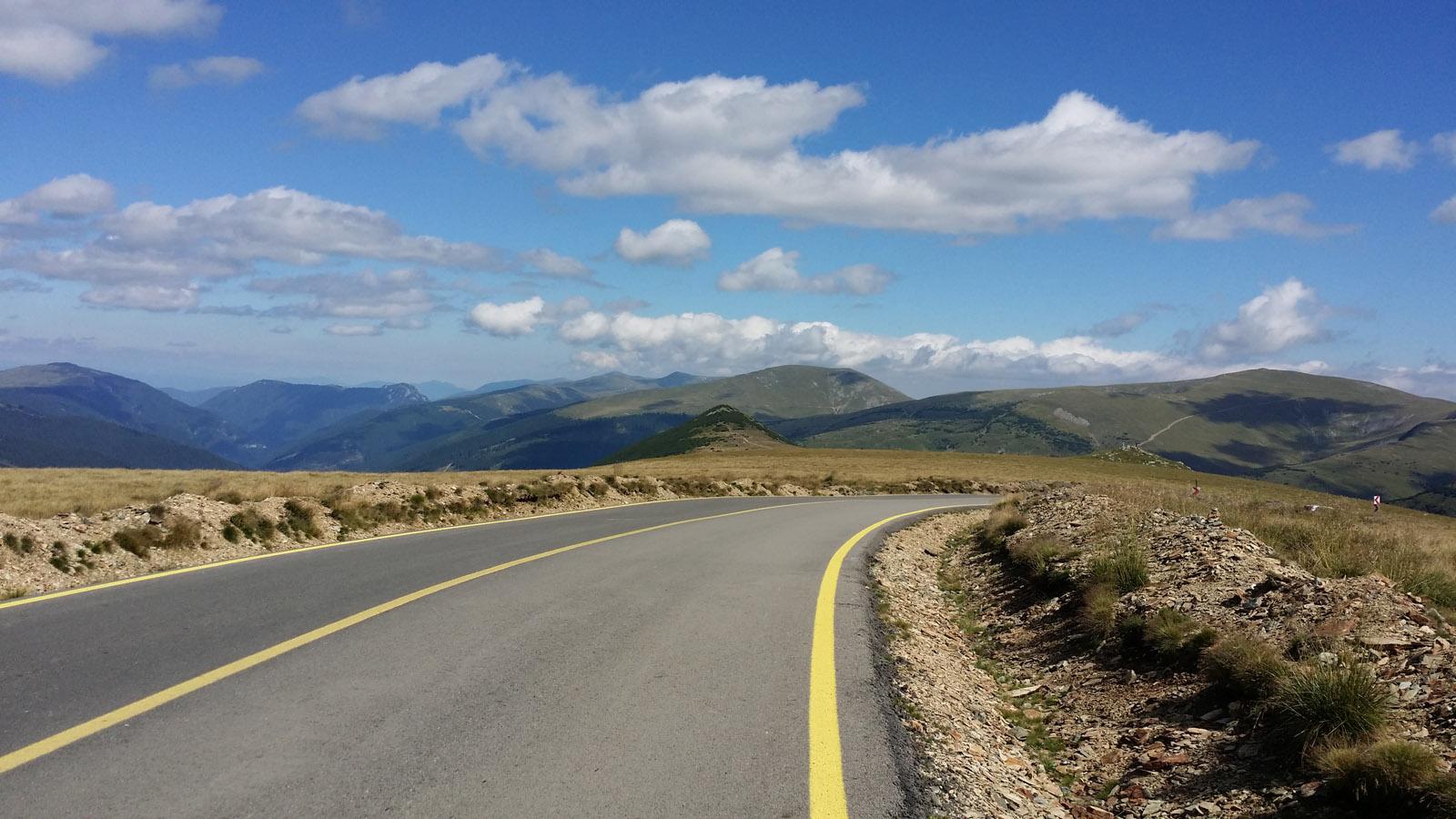 nice view romania transalpina cycling luxa